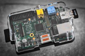Raspberry Pi 1 dans un boîter transparent
